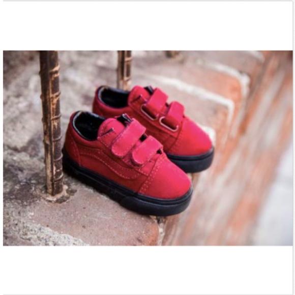 Vans Old Skool V Black Jester Red Toddler Shoes eaa586697